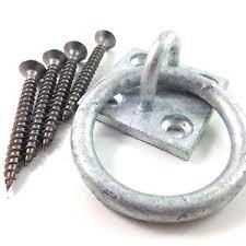 anello-per-scuderia-in-ferro-zongato-con-attacco-a-muro